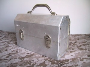 vintage lunch box 1950 300x225 Buy a Collectible Vintage Lunch Box | Boxes 1940s   1960s