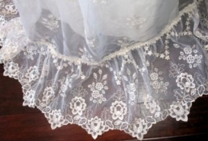 vintage 70s wedding dress 300x203 Vintage Wedding Dresses from the 1970s