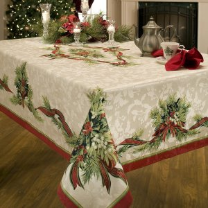 christmas tablecloth1 300x300 Vintage Christmas Tablecloth