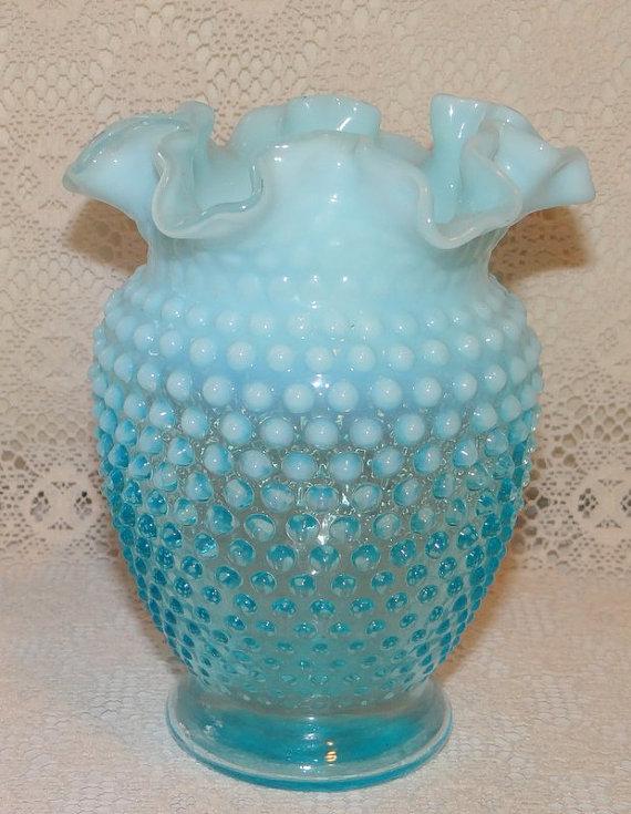 """Vintage Blue Opalescent Hobnail 6"""" Vase Unsigned Fenton"""