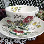 Collecting Antiques: Tea Cups and Saucer Sets