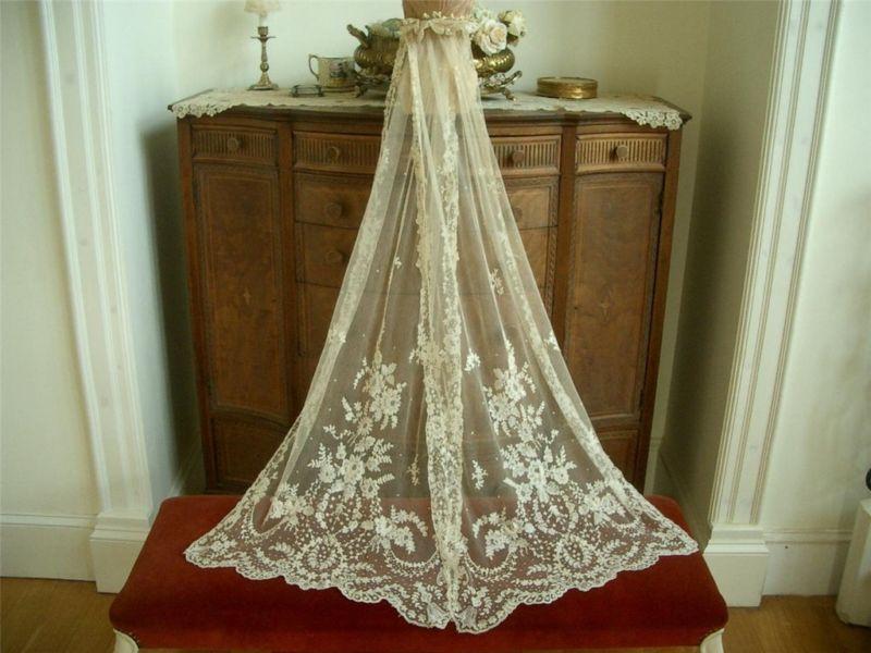 Antique Wedding Veil (gorgeous!)