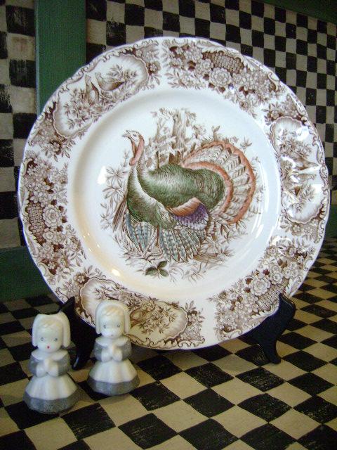 Vintage Thanksgiving Table Decor