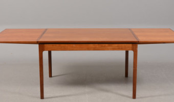 Collecting Vintage Antique Furniture: 1940s